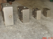 液壓控制蓋板